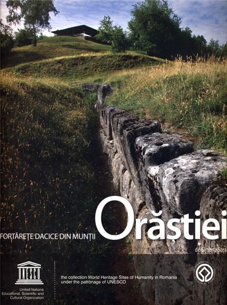 Fortarete dacice din Muntii Orastiei / Dacian Fortresses of the Orastie Mountains